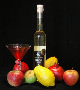 etrog liqueur with fruit 3